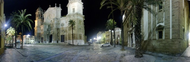 cadiz_plaza_catedral_night-scaled